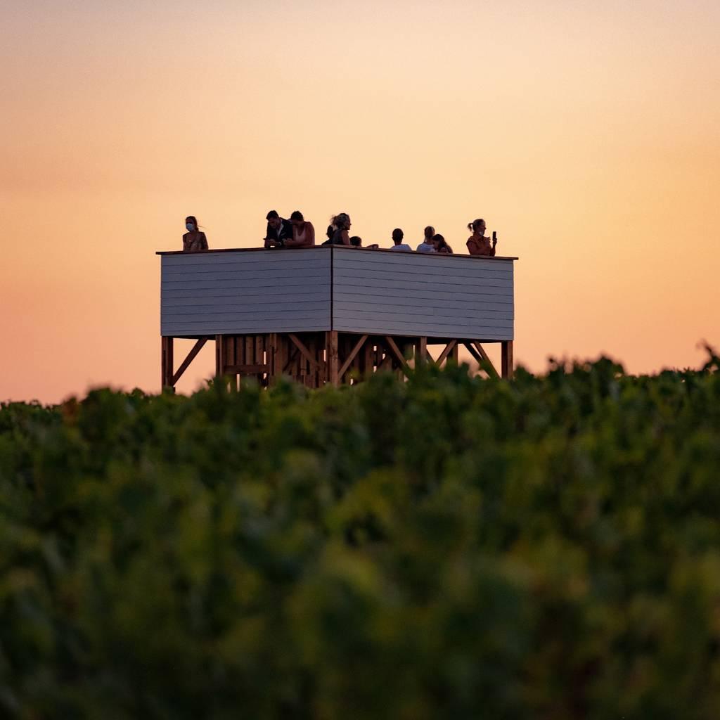 L'instant Tour Blanche- Tasty sunset getaway