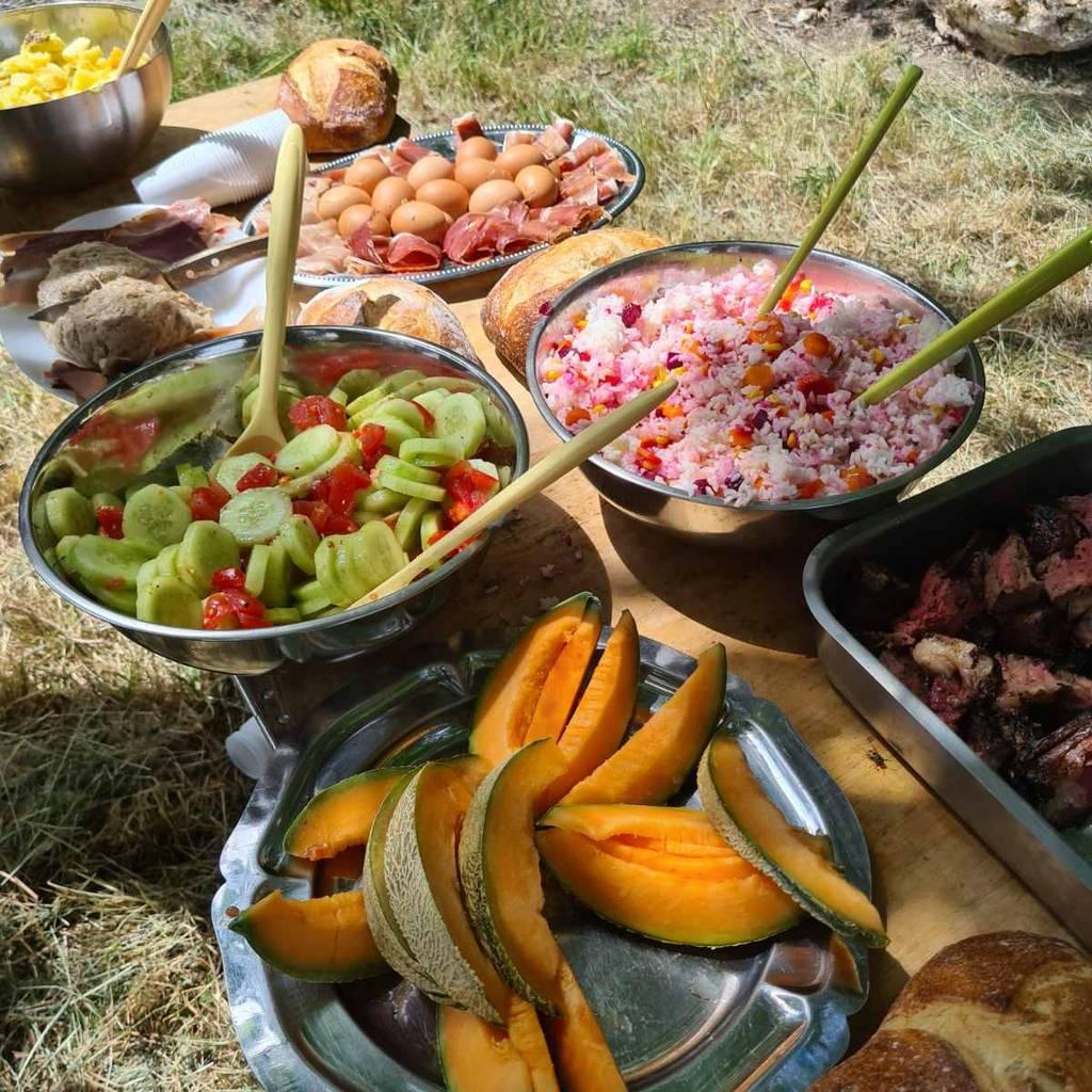 - 13 de junio - Visita del viñedo y picnic en Champagne en el corazón de los viñedos.