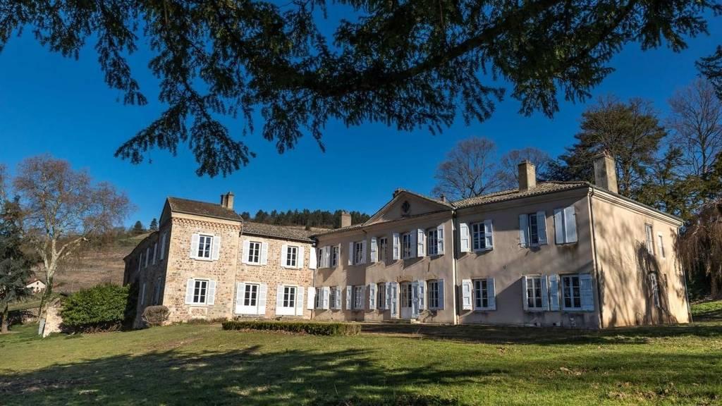 Chateau De Poncié