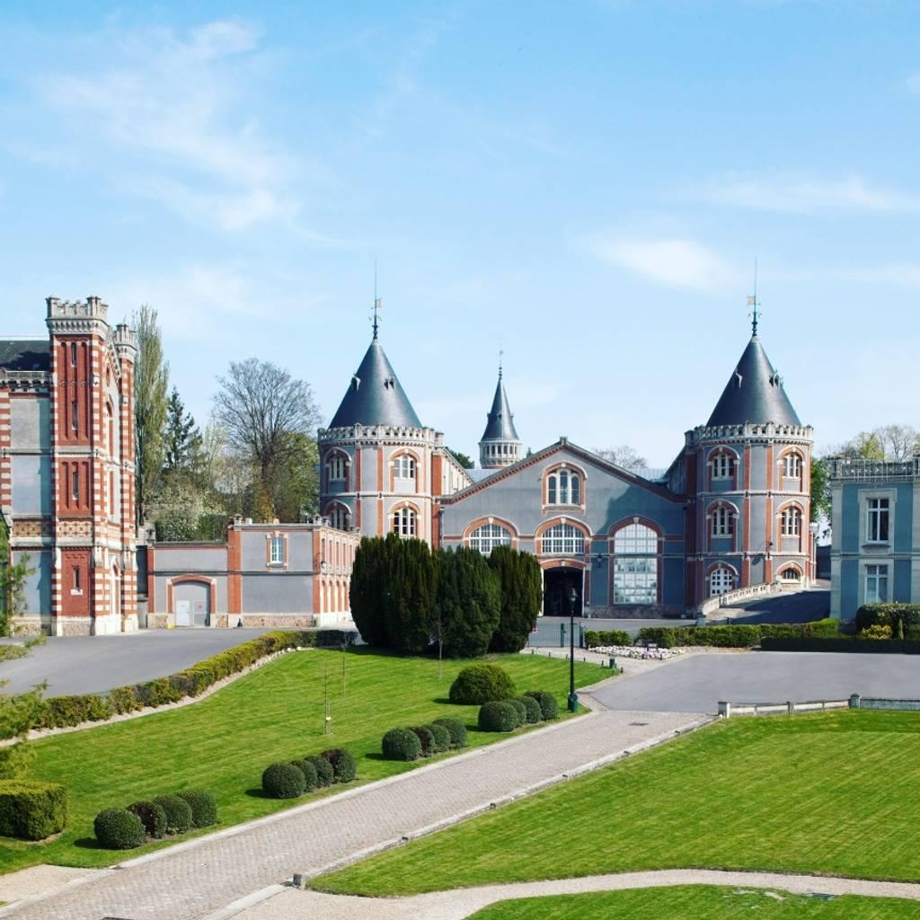 """Visita gratuita de las bodegas Pommery, la Villa Demoiselle y la efímera exposición """"Blooming"""" y degustación de 3 cuvées"""