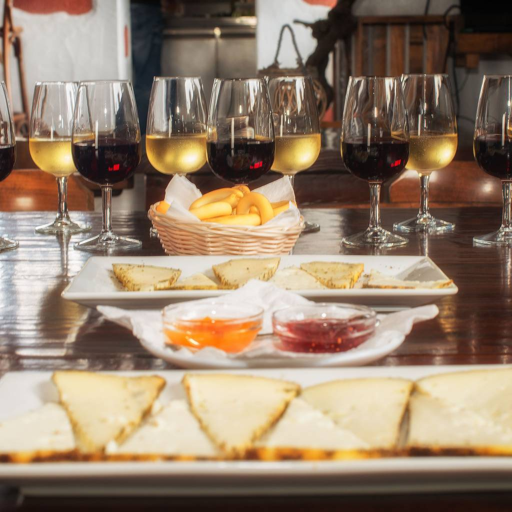 - Wine and Vineyard Walk: pick up & drop off at your accommodation
