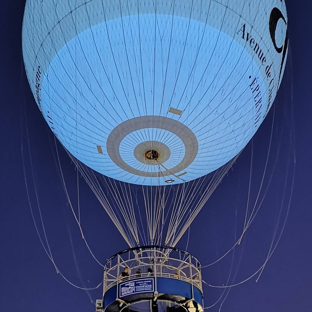 - Flight aboard the Balloon of Epernay with a glass of Champagne