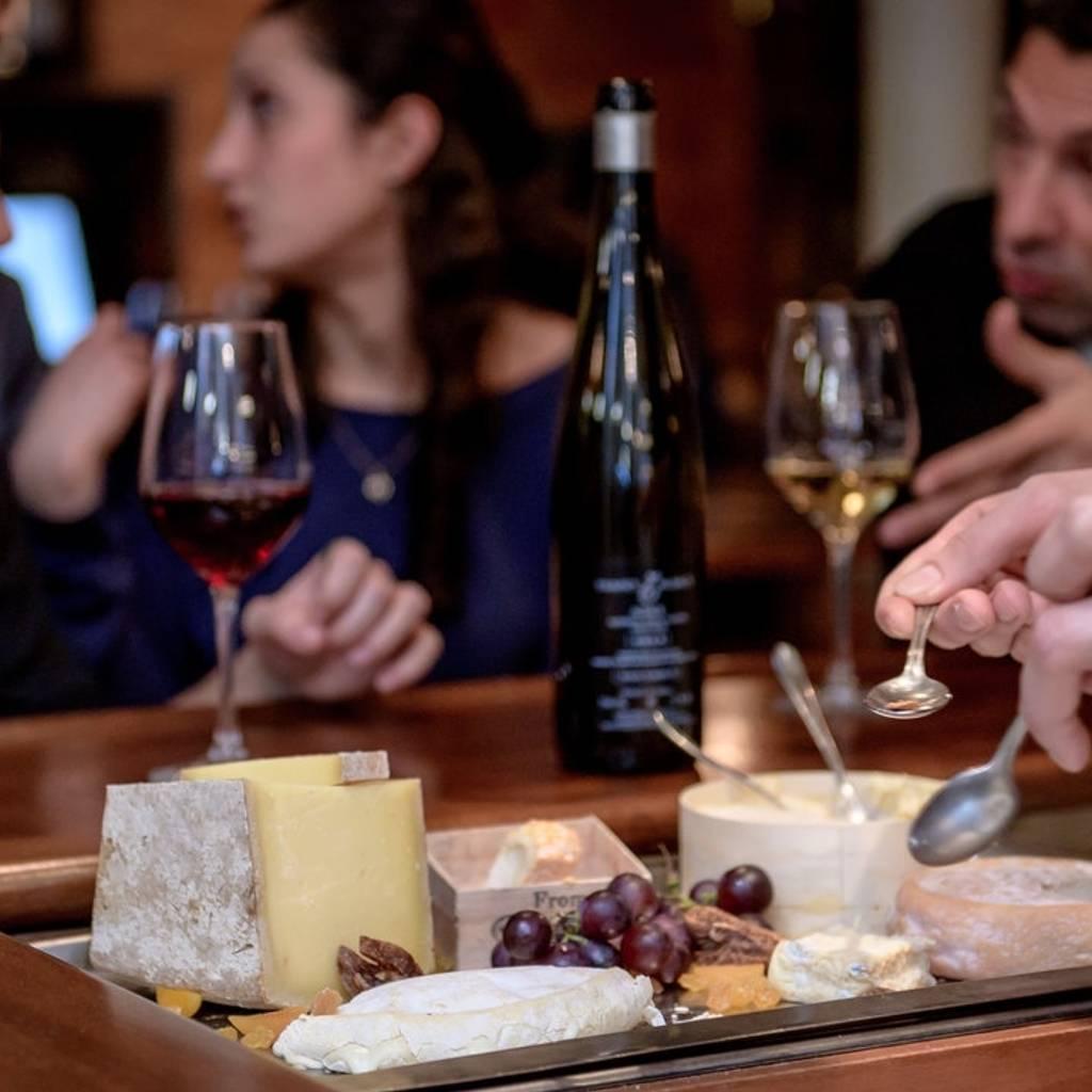 Wine School - Abbinamento vino e formaggio