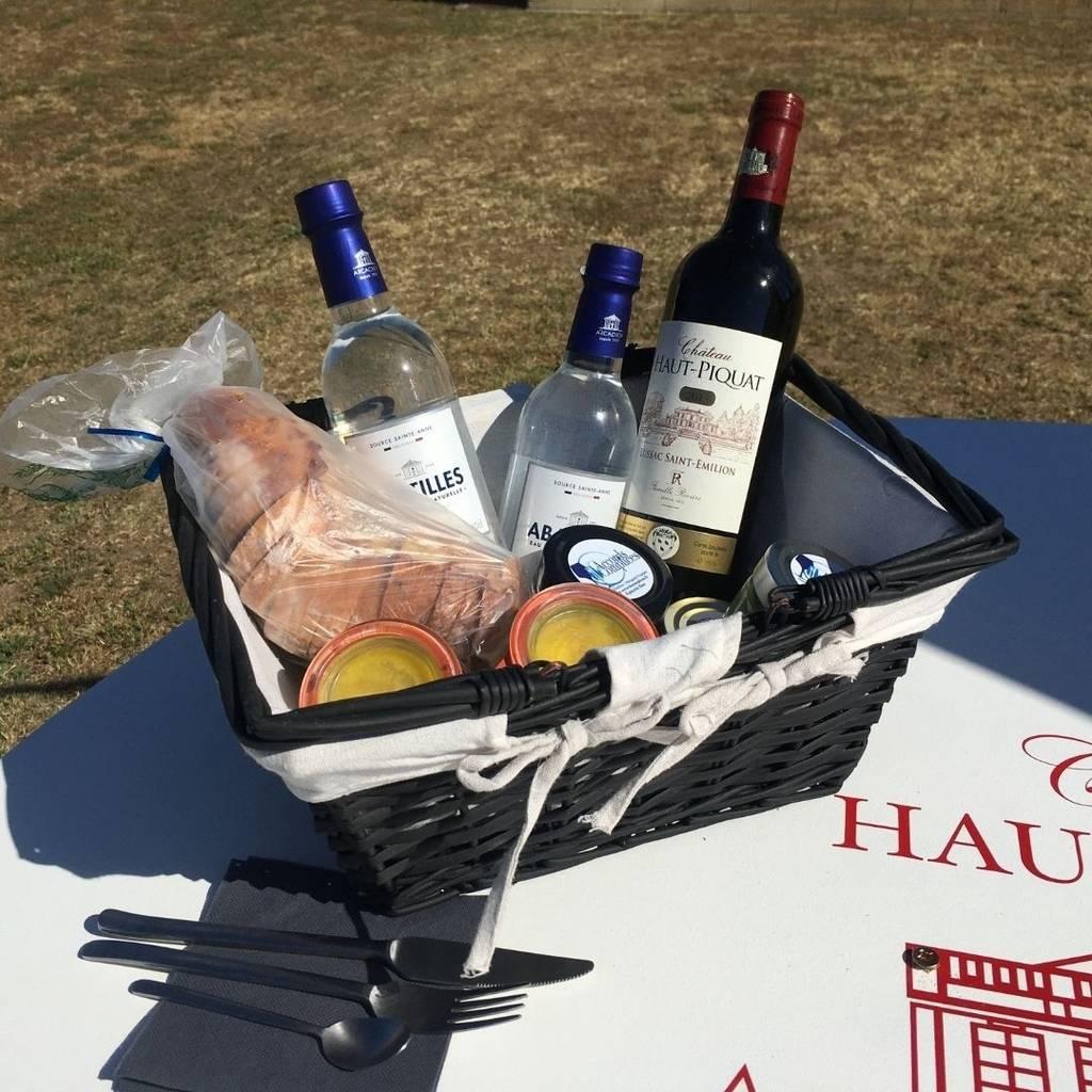 """""""Déjeuner sur l'herbe"""" au Château Haut Piquat"""
