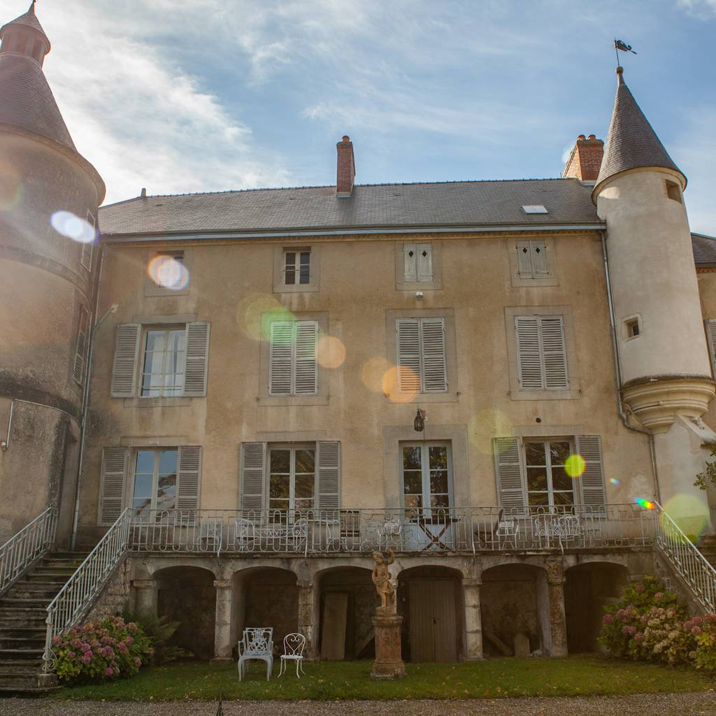 - Visit at the heart of our family Clos and tasting of 3 Champagnes