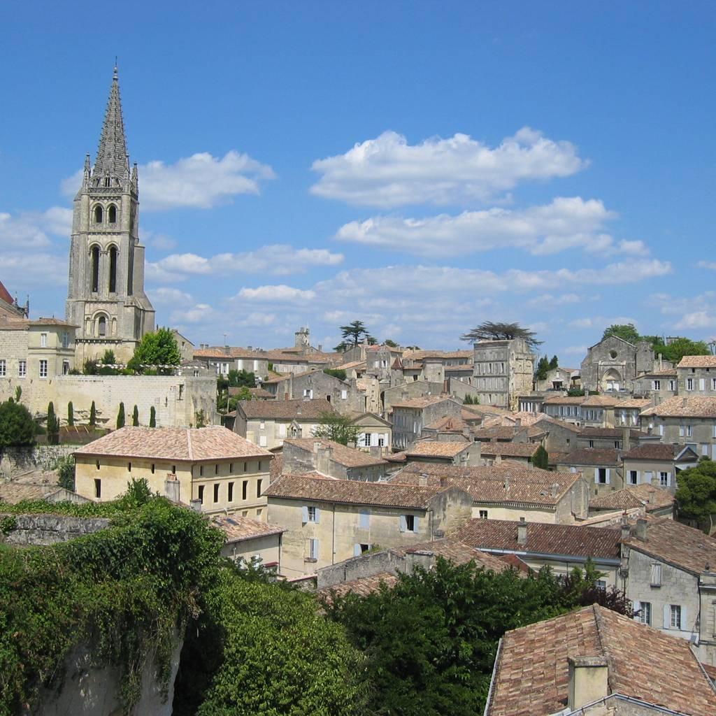 - Self ride tour to St-Emilion