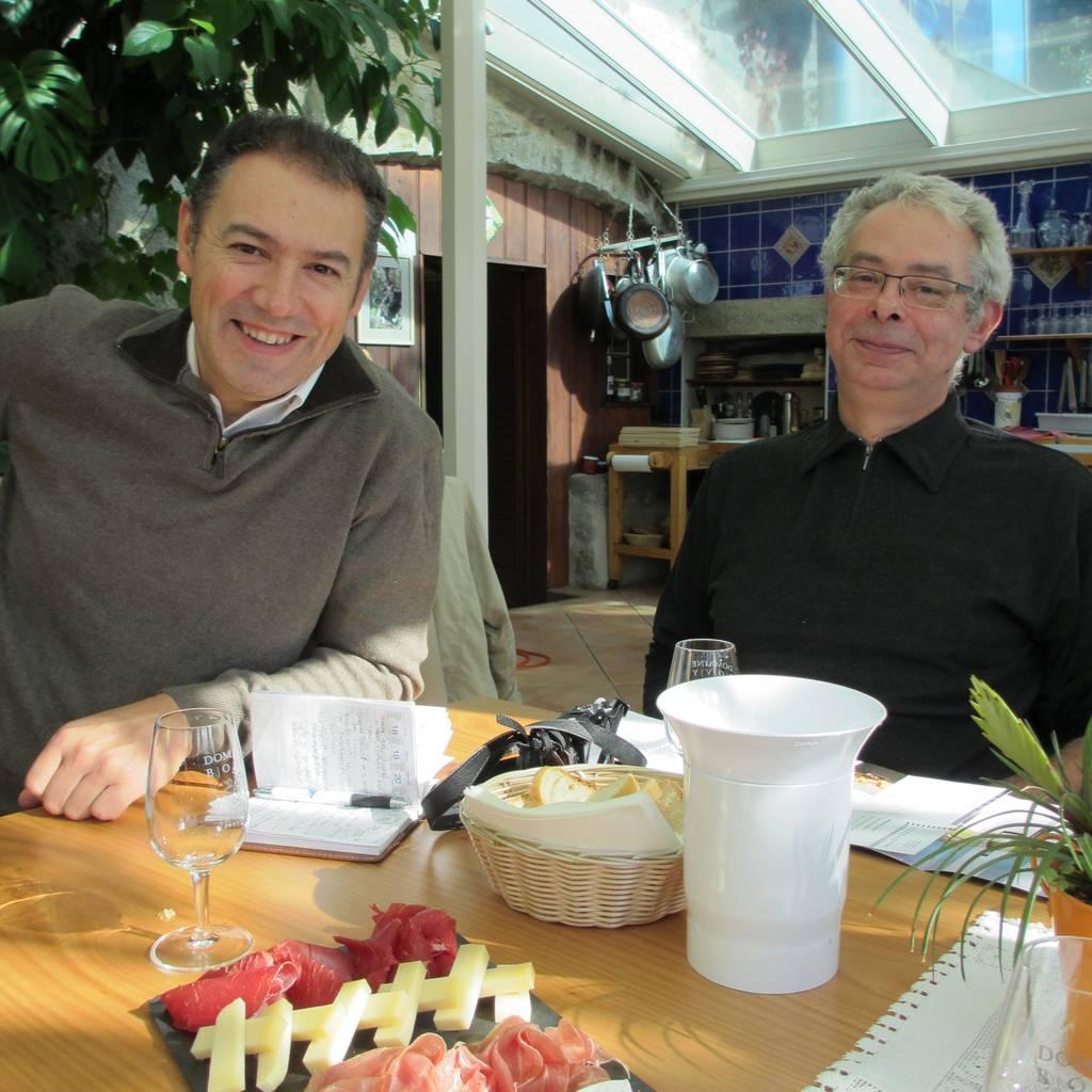 - Atelier oenologique : sur le fromage, vin rouge ou vin blanc ?