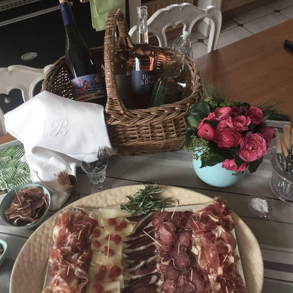 - Picnic, visit and tasting