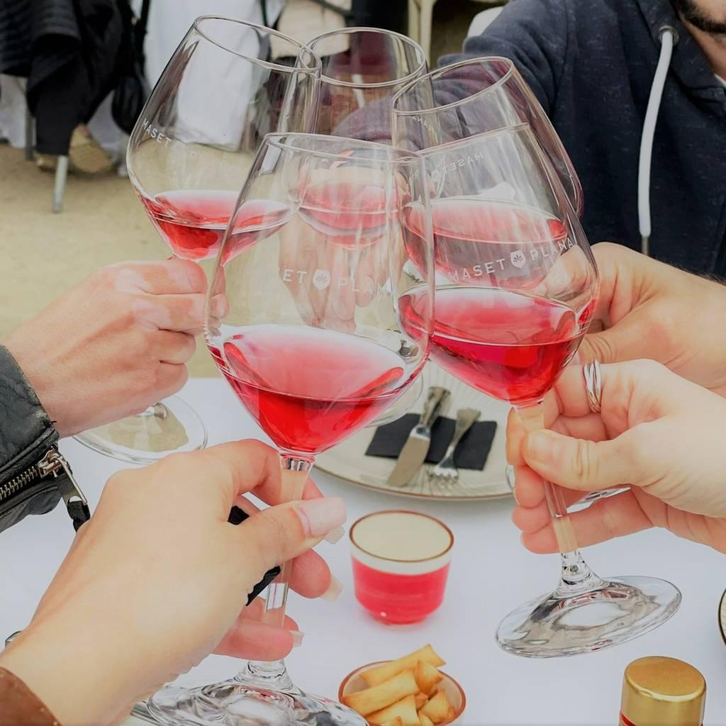 - MP360: vino, degustación de aceite de oliva y comida