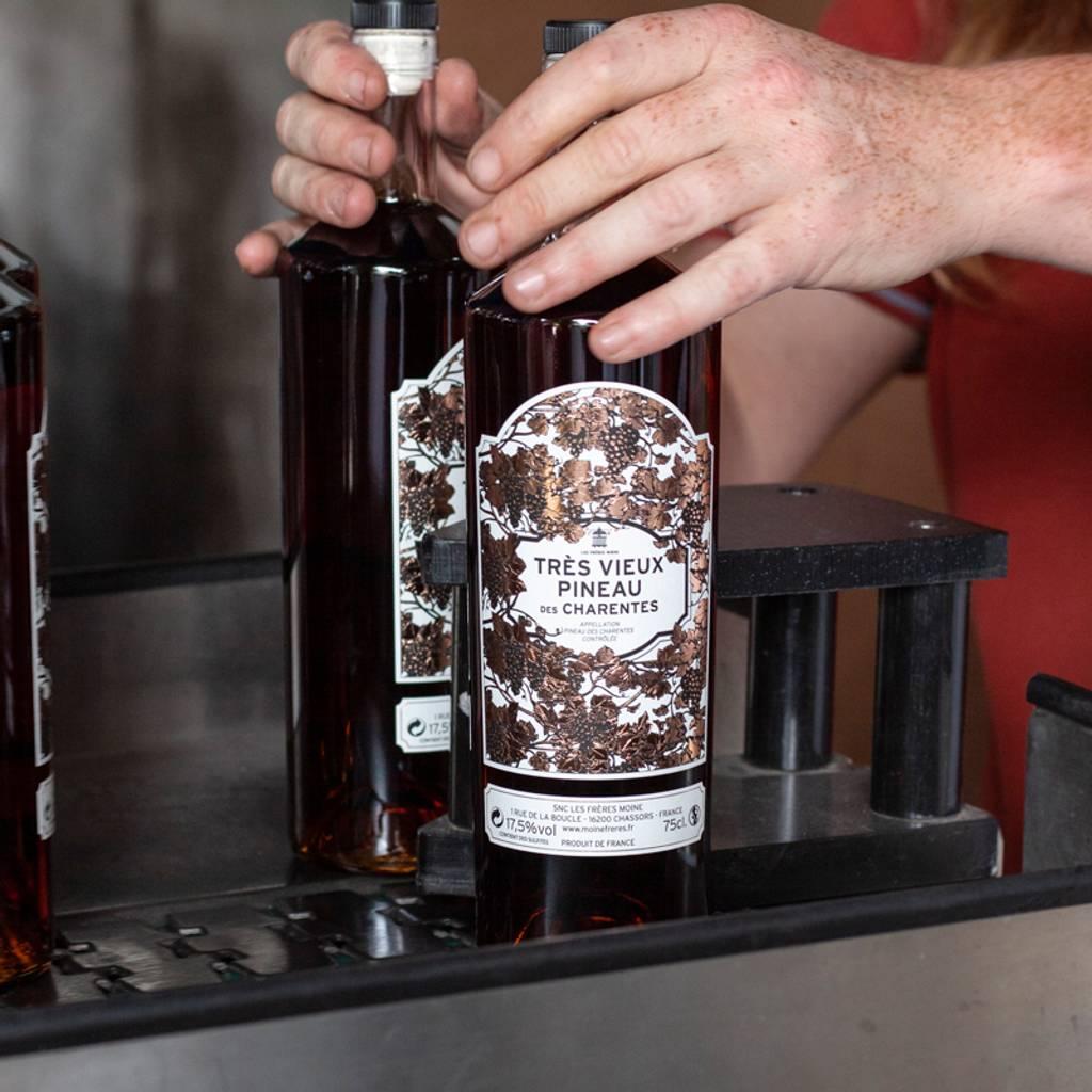 - Tasting of Pineau des Charentes Les Frères Moine