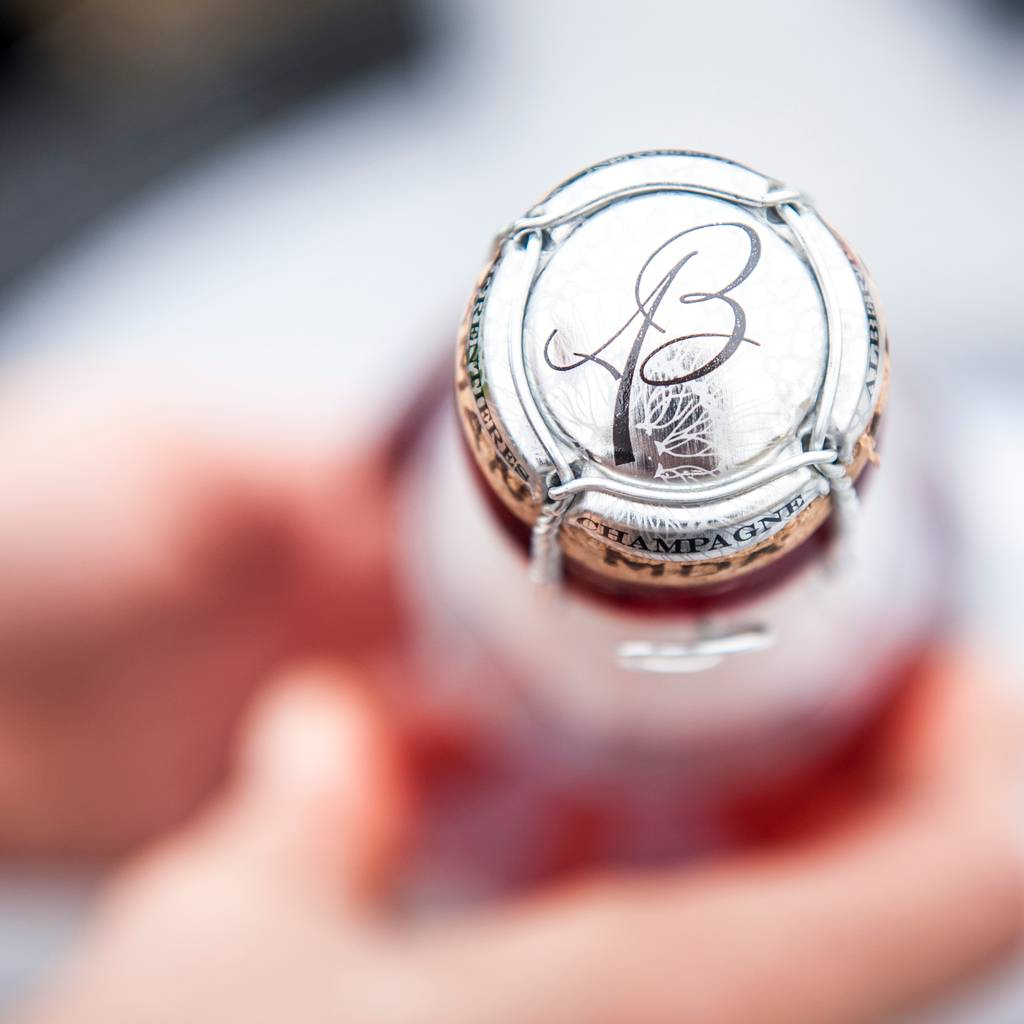 - Visit and tasting of 3 champagnes