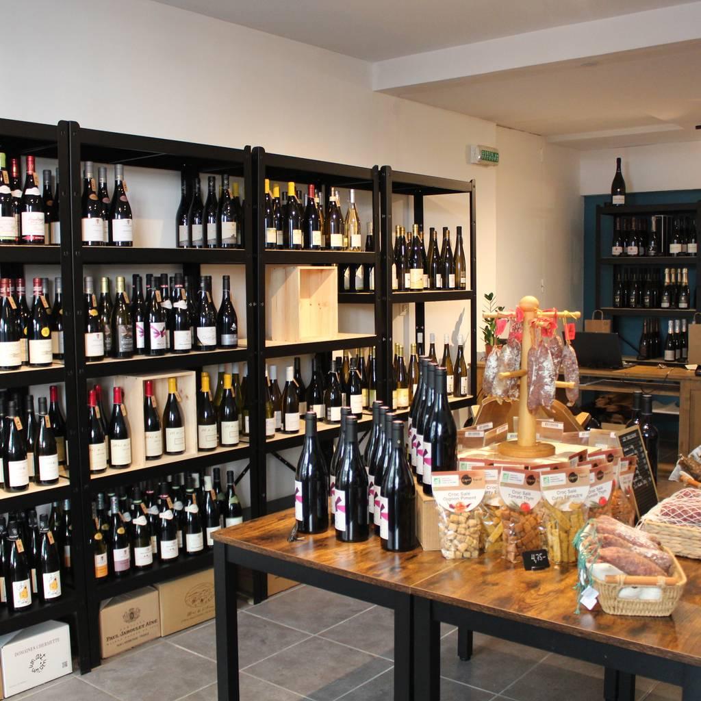 - Dégustation découverte en association mets et vins