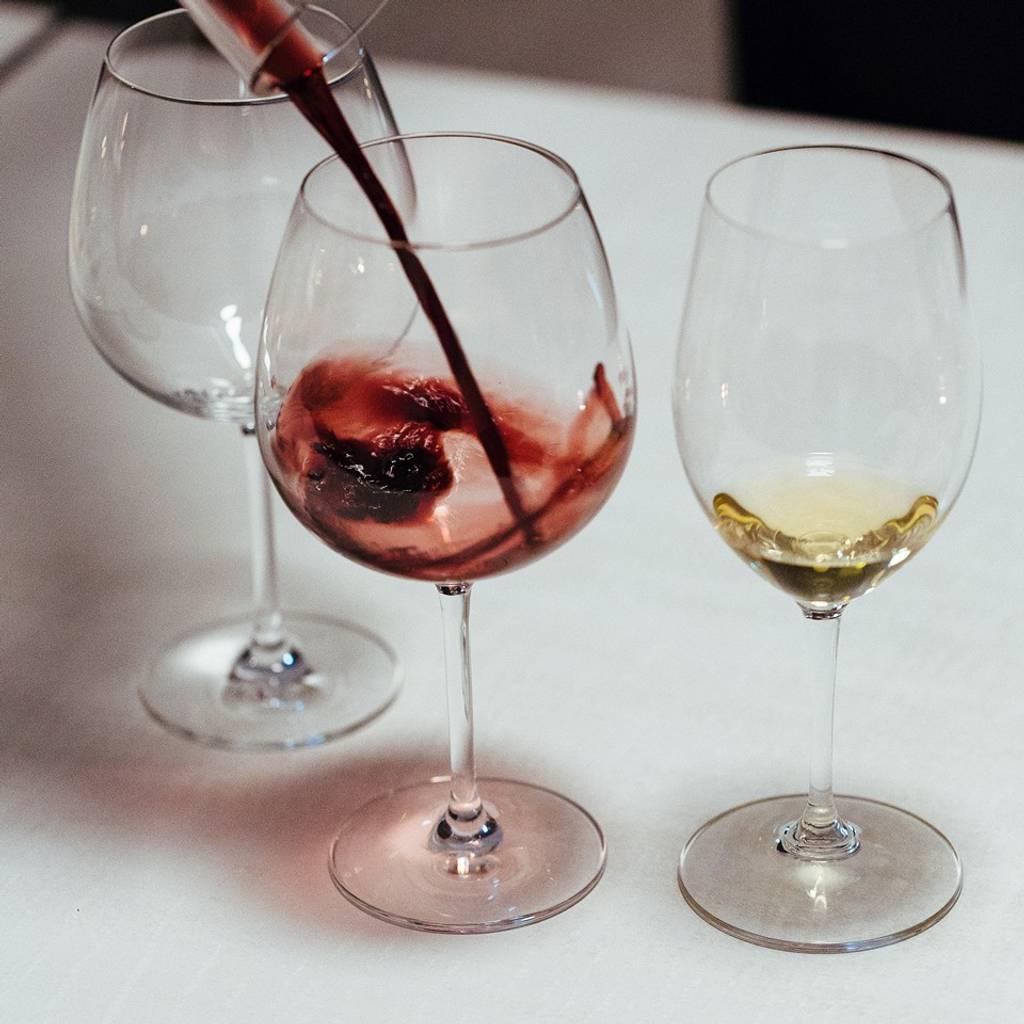 - Tour del vino e degustazione di due terroir - 4 vini
